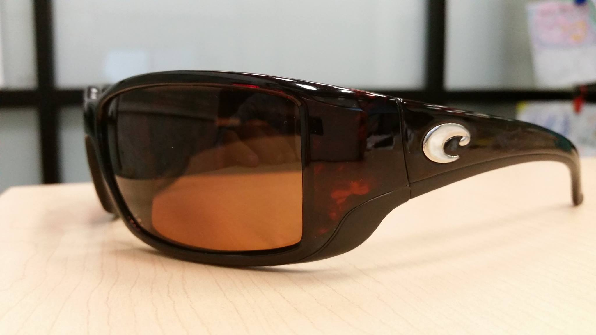 oakley polarized vs costa